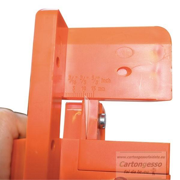 Bordatrice per pannelli in fibra - particolare
