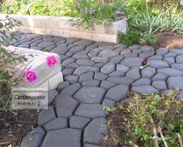 Stampo cemento pietra pannelli termoisolanti - Pavimentazione giardino senza cemento ...