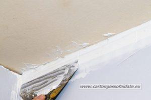 stuccatura degli angoli del cartongesso