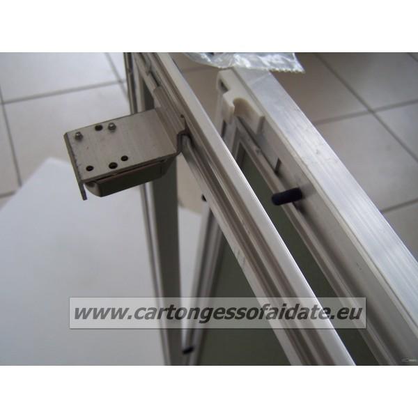 botola-dispezione-per-cartongesso-in-alluminio-con-sistema-di-apertura-push-pull-20x20-chiusure2