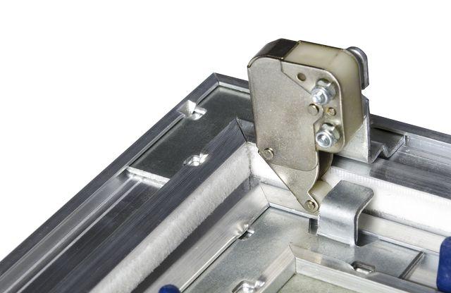 particolare di meccanismo push pull modello OLD