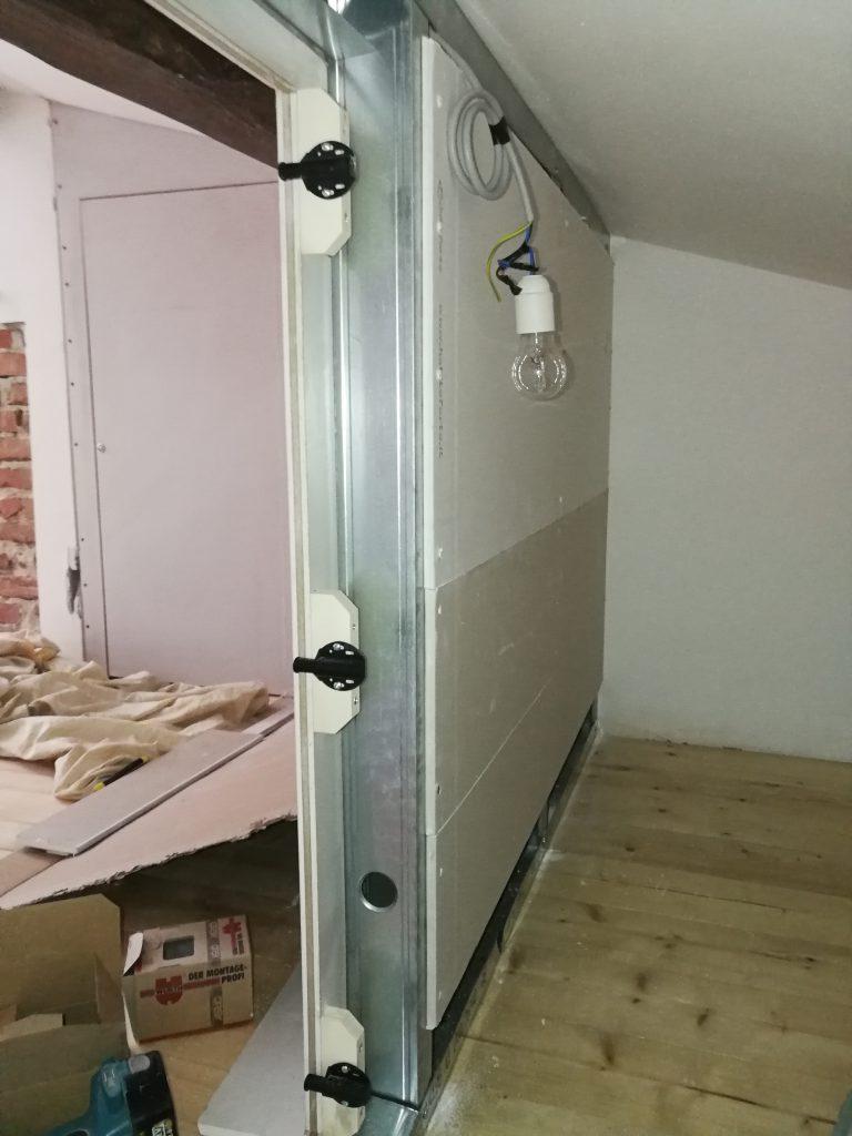 s - particolare di chiusura parete cartongesso trave muro