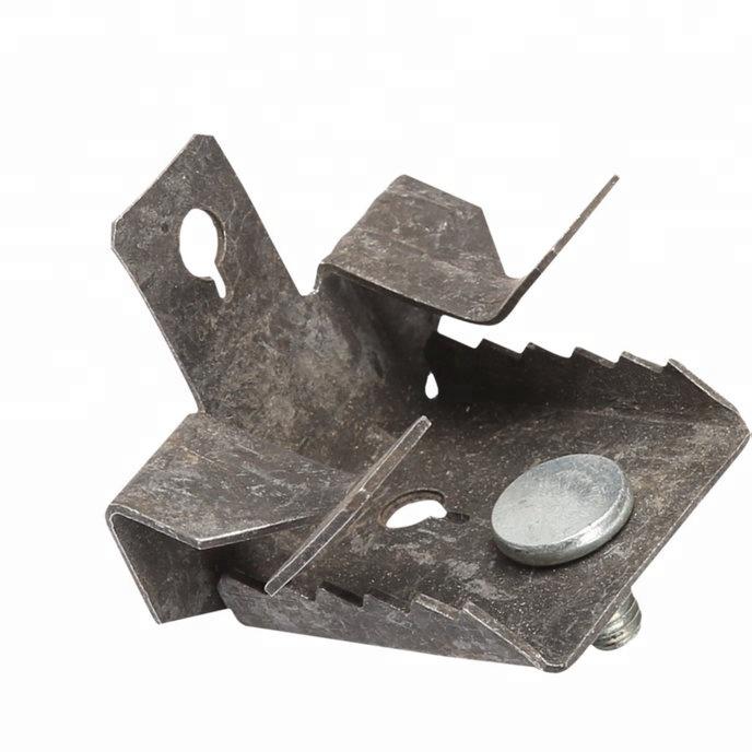 Clip in acciaio fosfatato di supporto verticale per putrella con vite M6
