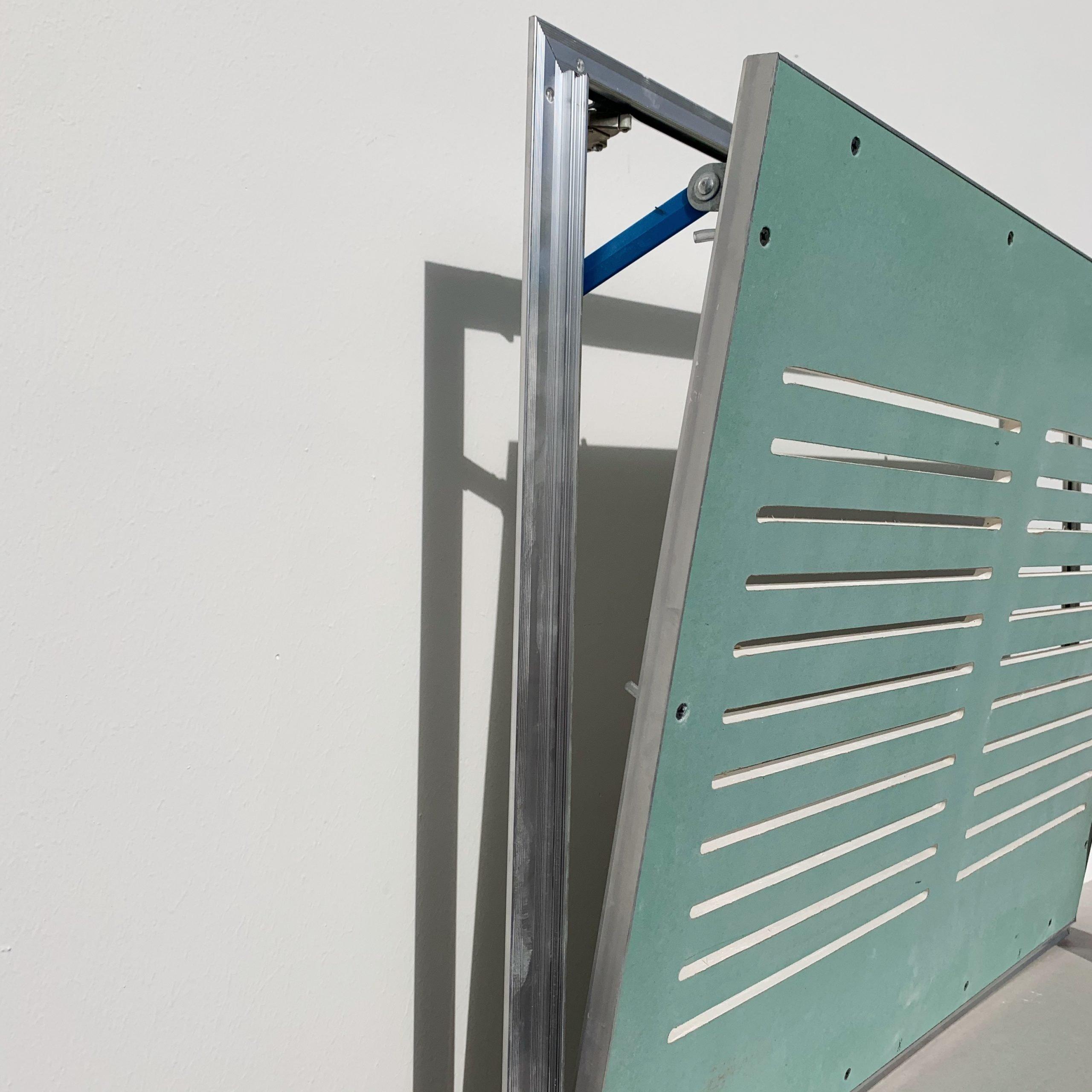Vista-laterale-botola-con-ripresa-aria-per cartongesso soffitto e parete
